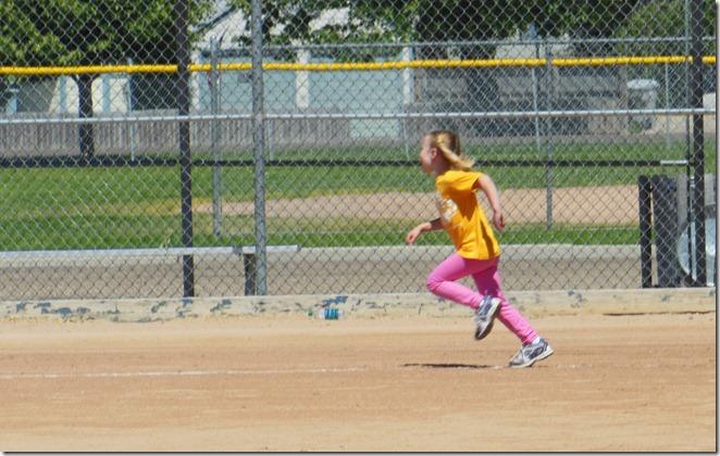 SS Annie Runs Bases