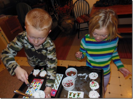 Xmas Cupcake Decorating